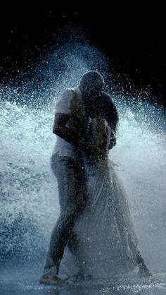 Bill Viola, The Lovers, 2005, vidéo couleur HD sur écran plasma (interprètes : Lisa Cohen, Jeff Mosl)  Église Saint-Pierre, avec le partenar...