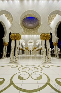 Pillar of Faith - heikh Zayed Grand Mosque (Arabic :جامع الشيخ زايد الكبير) is located in Abu Dhabi, the capital city of the United Arab Emirates.[