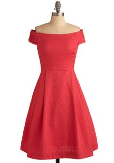 I feel like I could be starring in some old film in a classy vintage-styled dress like this....