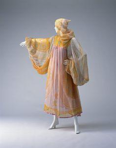 Aesthetic Fashion, Aesthetic Clothes, Zandra Rhodes, Costume Institute, One Piece Dress, Mode Vintage, Silk Chiffon, Fashion Killa, Fashion Prints