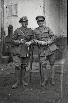 British WWI soldiers on the Western Front - 1 of photos uncovered in an… Nagasaki, Hiroshima, Native American History, American Civil War, American Soldiers, British History, Fukushima, World War One, First World