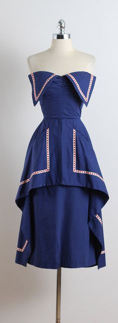 LADY LIBERTY ➳ vintage 1950s dress  * navy cotton * white & red dot accents * layered peplum skirt * triangle bodice accents * hidden pockets * metal back