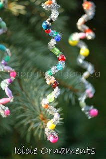 Easy Icicle Ornaments for toddlers and preschoolers to make. Great fine-motor C… Easy Icicle Ornaments for toddlers and preschoolers to make. Navidad Simple, Navidad Diy, Christmas Activities, Christmas Projects, Christmas Ideas, Indoor Activities, Winter Activities, Holiday Ideas, Toddler Crafts