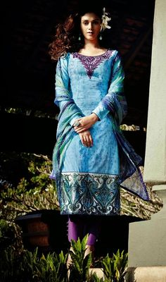 Look lovely as like as Aditi Rao, owning this aqua blue printed cotton pant style suit. Beautified with block print, lace, patch and resham work. #AquaBluePrintedSummerCottonDressCollection