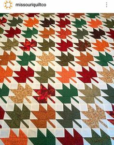 Maple leaves, would like this with a Sky fabric as a background. Canadian Quilts, Orange Quilt, Fall Quilts, Half Square Triangles, Quilting Projects, Quilting Ideas, Quilt Patterns, Bear Patterns, Autumn Theme