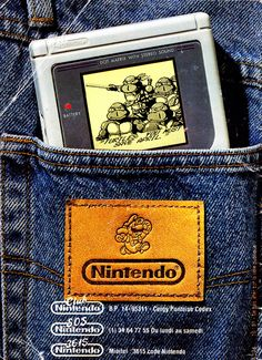 btw - in reality, the Game Boy screen was *NEVER* that crisp and… Video Vintage, Vintage Video Games, Retro Video Games, Video Game Art, Game Boy, Nintendo Sega, Nintendo Games, Arcade Games, Super Nintendo