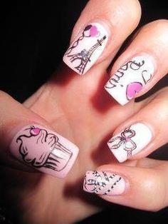 Paris styled nails! We <3 it!