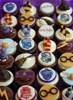 Harry Potter cupcakes-BABY SHOWER! :)--Anna, I could make the potter glasses cupcakes.