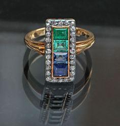 BELLE EPOQUE Ring Gold Silver Emerald Sapphire Diamond W 0.90 cm (0.35 in) | D 1.90 cm (0.75 in) Origin European, c. 1905