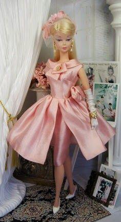 Glamor Barbie - reminds me of Aunt Jan Play Barbie, Barbie And Ken, Barbie Fashionista, Vintage Barbie Dolls, Doll Patterns, Barbie Dress, Barbie Costume, Barbie Outfits, Pink Dress