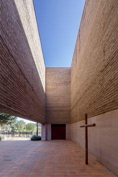 Image 2 of 30 from gallery of Centinela Chapel / estudio ALA. Photograph by César Béjar