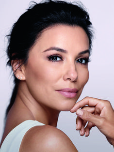 Eva Longoria has achieved representation on her own terms. The multi-hyphenate's career trajectory took her from a starring role in Desperate Housewives to working behind the scenes as a director and producer to starting her own production company to see hire more women and people of colour in Hollywood. Add her philanthropy work, ambassador role […] The post Eva Longoria on Representation in Beauty and Film appeared first on FASHION Magazine.
