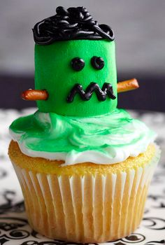 Frankenstein Cupcake with pretzel ears