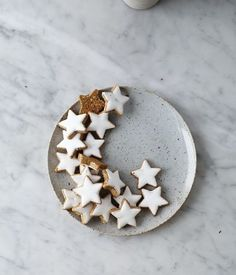 mini gingerbread star cookies, so charming! Noel Christmas, Christmas Baking, All Things Christmas, Winter Christmas, Christmas Cookies, Xmas, Christmas Dance, Classy Christmas, Christmas Sweets