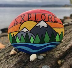 Rock Painting Patterns, Rock Painting Ideas Easy, Rock Painting Designs, Stone Art Painting, Pebble Painting, Pebble Art, Painted Rocks Craft, Hand Painted Rocks, Idee Baby Shower