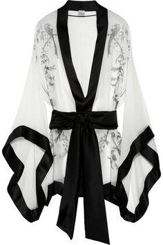 Carine Gilson black and white robe #loungewear #lingerie
