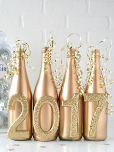 Super easy DIY New Year's Eve table decor