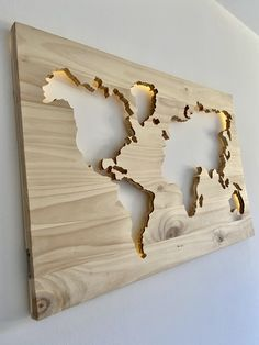 Wooden Wall Lights, Wooden Wall Panels, Wood Wall Art, Cnc Woodworking, Woodworking Basics, Woodworking Projects, Wood Table Design, Wall Design, World Map Decor