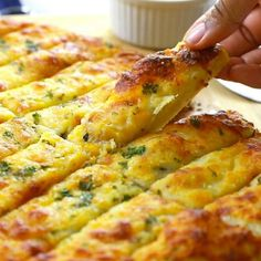 Homemade Garlic Cheese Breadsticks Recipe – If you go to your local pizzeria and order the garlic cheese breadsticks, then you will adore making these even better (way better) at home! recipes no yeast videos Homemade Garlic Cheese Breadsticks Easy Dinner Recipes, Appetizer Recipes, Snack Recipes, Easy Meals, Cooking Recipes, Easy Recipes, Healthy Recipes, Pizza Recipes, Amish Recipes