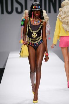 Moschino Spring 2015 Ready-to-Wear Fashion Show - Leomie Anderson