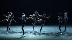 Kontraste - Inger Siegal Clug  Spielzeit 2016/17 - Ballett Dortmund KONTRASTE - INGER SIEGAL CLUG Choreographien von Johan Inger Richard Siegal und Edward Clug --- Infos & Tickets: www.tdo.li/kontraste --- Was bleibt wenn die Begriffe brüchig werden? Drei unterschiedliche Kreationen fasst Xin Peng Wang zu einem Abend zusammen. Drei Wagnisse Traditionen nicht länger fortzuschreiben. Alle drei Künstler stellen Fragen. An sich. An uns. Und wir erleben welche Lust es bereitet die Antwort nicht…