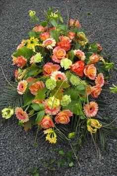 Flower Arrangement, Floral Arrangements, Funeral Flowers, Marie, Floral Wreath, Wreaths, Plants, Home Decor, Flower Arrangements