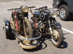 boxerworks: new favorite sidecar photo, I dont know what the other bike is