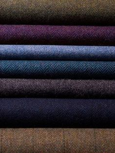 Buy Eco-friendly tweed fabrics here. Plaid Fashion, Fashion Fabric, Latest Fashion, Womens Fashion, Fashion Tips, Der Gentleman, Wool Fabric, Fabric Samples, Couture