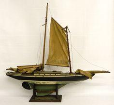 LOT #229 - Early Boat Model