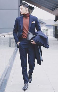 Mens Fashion and Style Articles for 2017 at FashionBeans - The Number One Men's Fashion and Style Guide. Mens Fashion Shoes, Suit Fashion, Fashion 2017, Street Fashion, Gentleman Mode, Gentleman Style, Dress Suits For Men, Mens Suits, Blazer Outfits Men