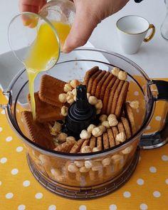 """42.8b Beğenme, 1,432 Yorum - Instagram'da Kakuleli Mutfak (@kakulelimutfak): """"Hayırlı akşamlar 😍 Yepyeni bir chessecake tarifiyle geldim😉 Tabanı, kremasi, sosu hepsi ayrı güzel…"""" No Bake Cheesecake, Cheesecake Recipes, Chocolate Fondue, Waffles, Pancakes, Bon Appetit, Tabata, Pudding, Yummy Food"""