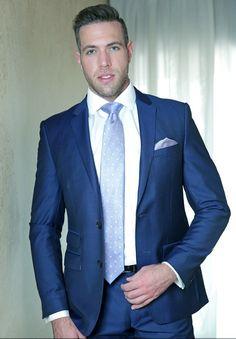 shirt tie suit & more alex mecum Wedding Men, Wedding Suits, Costumes Bleus, Alex Mecum, Suit Fashion, Mens Fashion, Costume Sexy, Herren Outfit, Casual Suit