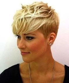 Find the latest pixie hairstyles from fine short pixie to dark or messy pixie cut, here are 50 Pixie Haircuts 2015 - 2016 for inspiration. Short Sassy Haircuts, Blonde Haircuts, Cute Hairstyles For Short Hair, Girl Haircuts, Blonde Pixie Haircut, Stylish Hairstyles, Long Hairstyle, Very Short Hair, Short Hair Cuts