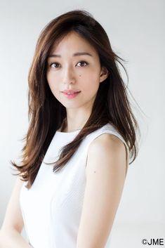 Japanese Beauty, Asian Beauty, Japan Model, Japanese Models, Studio Portraits, Beautiful Asian Girls, Asian Woman, Girl Hairstyles, Korean Girl