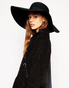 Browse online for the newest ASOS Extra Wide Felt Floppy Hat styles. Shop easier with ASOS' multiple payments and return options (Ts&Cs apply). Latest Outfits, Fashion Outfits, Garner Style, Diana, Floppy Hats, Costume Hats, Capsule Outfits, Mode Chic, Felt