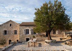 Villa Kalos, un relajado hotel perdido en el mar con un hermoso 'look' neorústico