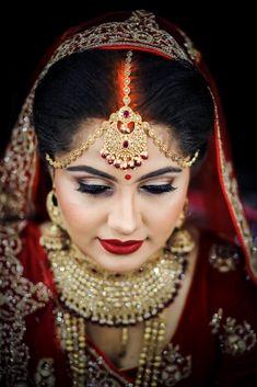 Indian wedding maang tikka for bride #weddingnet #wedding #india #kolkatawedding #indian #indianwedding #weddingphotographer #candidphotographer #weddingdresses #mehendi #ceremony #realwedding #lehenga #lehengacholi #choli #lehengawedding #lehengasaree #saree #bridalsaree #weddingsaree  FOLLOW OUR INSTAGRAM @WEDDINGNET Indian Wedding Poses, Indian Wedding Makeup, Indian Wedding Photography Poses, On Your Wedding Day, Wedding Bride, Indian Bridal Hairstyles, Bridal Poses, Wedding Highlights, Bride Book