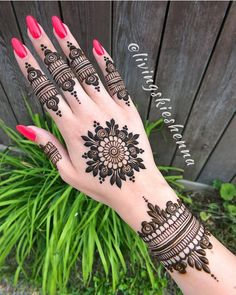 Stunning mandala henna by mehendi хна, мехенди, тату. Henna Hand Designs, Eid Mehndi Designs, Round Mehndi Design, Henna Flower Designs, Modern Henna Designs, Mehndi Designs Finger, Mehndi Designs For Girls, Mehndi Designs For Beginners, Mehndi Designs For Fingers