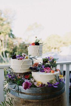 Floral Wedding Cakes, Wedding Cake Rustic, Wedding Cake Designs, Elegant Wedding, Cake Wedding, Wedding Cake Display, Eclectic Wedding, Wedding Cake Vintage, Wedding Cake Flowers