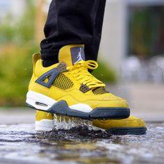 Damien Sneaker - Air Jordan 4 Lightning