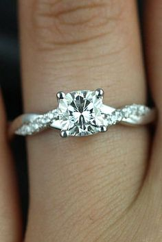 Simple Engagement Rings For Girls Who Loves Classics ❤ See more: http://www.weddingforward.com/simple-engagement-rings/ #wedding #engagement #rin