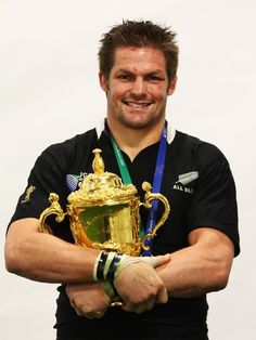 All Blacks and Warriors f**k yeah ! — everythingrwcrelated: Richie McCaw with the Webb. All Blacks Rugby Team, Nz All Blacks, Richie Mccaw, Dan Carter, 2015 Rugby World Cup, World Cup Champions, New Zealand Rugby, Rugby Players, Athletic Men