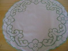 """Vintage white  #linen 19"""" #round circle table centre, mat green cutwork #embroide,  View more on the LINK: http://www.zeppy.io/product/gb/2/351677706928/"""