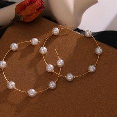 Diy Earrings Video, Diy Earrings Pearl, Pendant Earrings, Beaded Earrings, Pearl Jewelry, Beaded Jewelry, Jewelry Box, Jewelery, Hoop Earrings