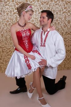 The same dress plus a man added :) Elegant Dresses, Beautiful Dresses, Man And Wife, Hungarian Embroidery, Folk Fashion, Festival Outfits, Traditional Dresses, Flower Girl Dresses, Culture