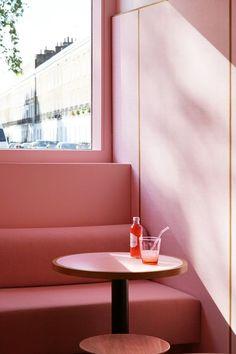 Child Studio Creates a London Restaurant Clad in Pink Formica - Design Milk Pink Restaurant, Restaurant Concept, Restaurant Design, Restaurant Interiors, Restaurants In Chelsea, London Restaurants, Pink Cafe, Mid Century Lighting, Interior Photography