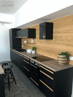 Proiect bucatarie Jijila, Tulcea | Kuxa Studio, expert in mobila de bucatarie - 5304 Kitchen Island, Kitchen Cabinets, Home Decor, Island Kitchen, Decoration Home, Room Decor, Cabinets, Home Interior Design, Dressers