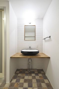 FRCHIS,WORKS の オリジナルスタイルの お風呂 洗面台 | 工事後