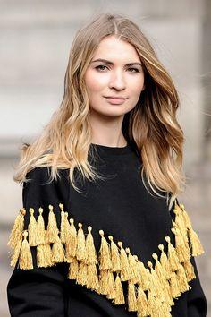 Schöne Frisuren am Rande der Paris Fashion Week: Es muss gar nicht crazy auf dem Kopf zugehen, einfach schön gepflegte Haare sind ja auch ein fabelhafter Hingucker...Trendfrisuren in allen Längen hier