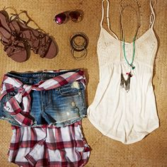 plaid shirt tied around the waist is a cute, stylish look Country Music Outfits, Country Concerts, Country Concert Outfit Summer, Casual Outfits, Cute Outfits, Fashion Outfits, Spring Summer Fashion, Spring Outfits, Fashion Moda